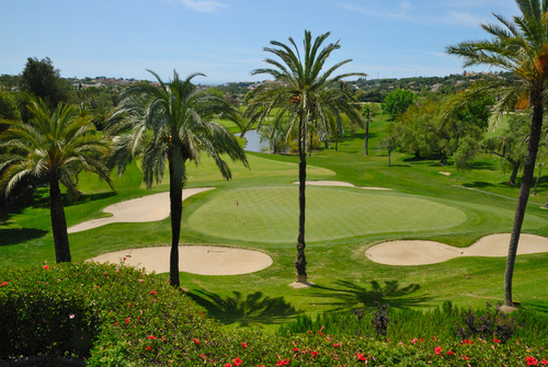 Best golfing weather 365 days in the year in Marbella and more than 100 golf courses in Andalucia