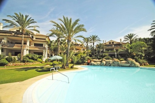 luxury penthouse for sale in marbella andalusia with. Black Bedroom Furniture Sets. Home Design Ideas