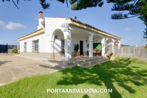 Comfortable villa with a fantastic view in Ayamonte