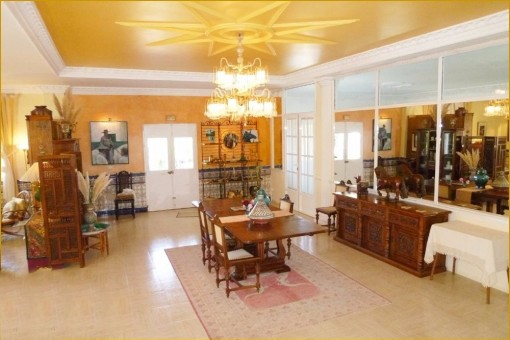 The incomparable classy living and dining-room