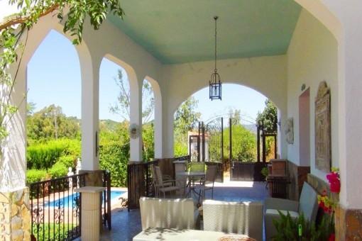 The exquisite veranda