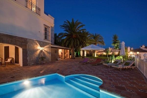 The heavenly pool terrace