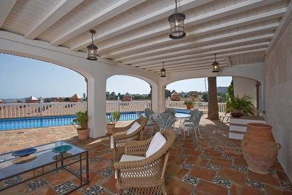 The gorgeous covered terrace