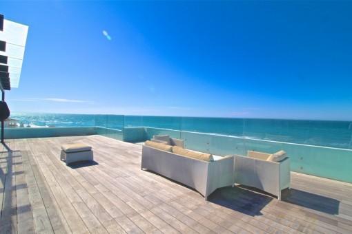 Amazing spectacular frontline beach Villa in...