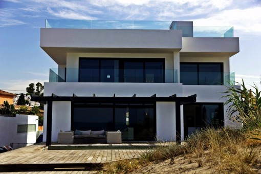 The facade of the beach villa