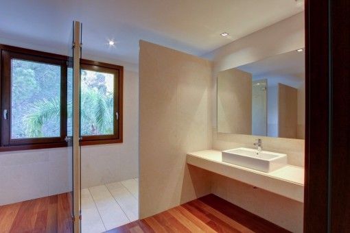Another bathroom of the villa