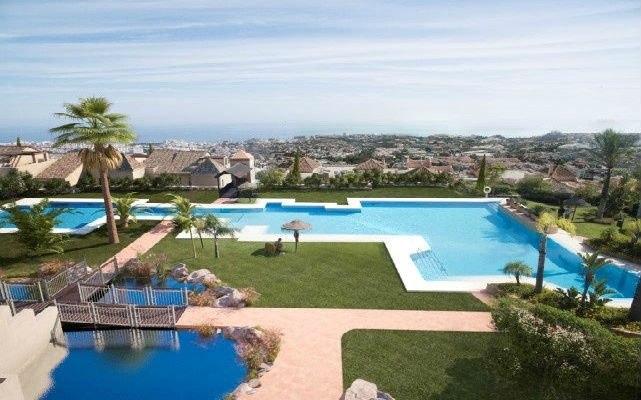 Apartment In Benalmádena For Sale