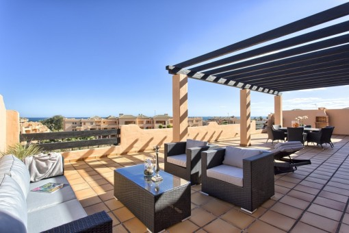 Beautiful newly built apartments / penthouses near the beach with private gardens, terraces, sea views