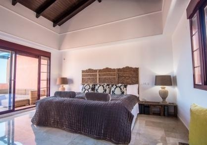 Main bedroom with access to the teracce