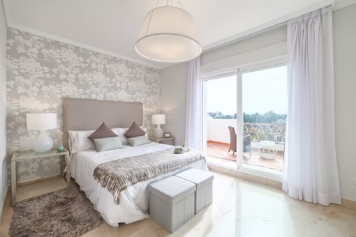 Luxury townhouses properties for sale in the desirable Golden Triangle of El Paraiso, Estepona, Malaga