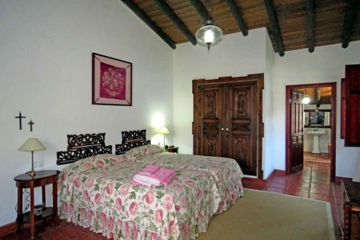1 of 5 bedrooms
