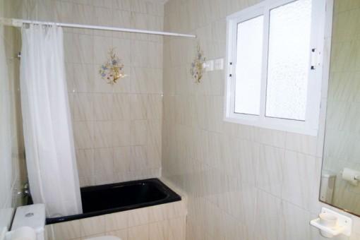 Bright and modern bathroom