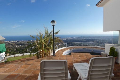 Villa with breathtaking panoramic views in Mijas