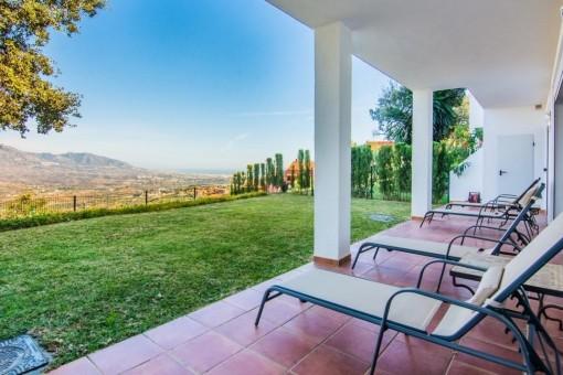 Spacious, terraced apartment in Marbella