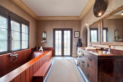 Original bathroom with wood bathtub