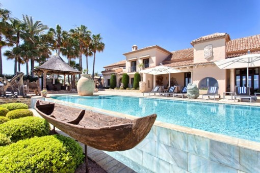 One of a kind property in Los Monteros Playa, Marbella east
