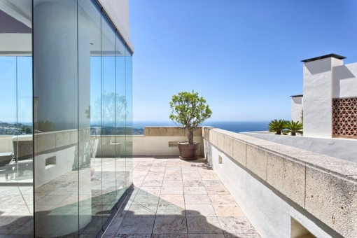 Views of the glass cortain