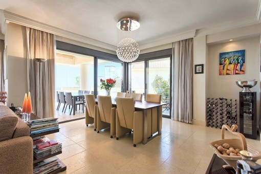 Spacious dining area with access to the terrace