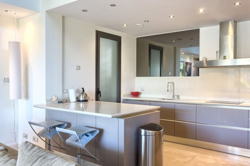 Impressive fully equipped kitchen