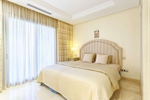 One of 2 guest bedrooms suites