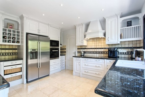 Modern fullly equipped kitchen