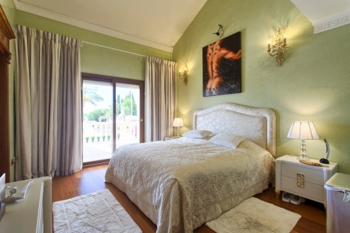 Further charming bedroom with double bed