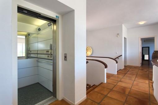 Corridor offers a elevator