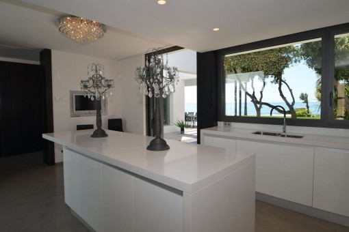 High-quality kitchen with terrace access