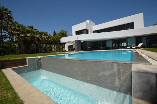 Modern designer villa right at the beach in Los Monteros, Marbella