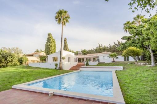 villa in Estepona for sale