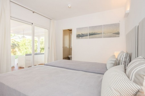 Bright and friendly double bedroom