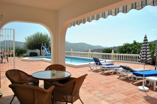 Covered terrace with panoramic view