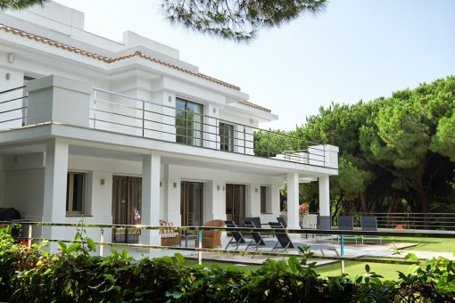 Modern exterior view of the villa