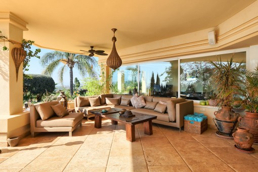 Extensive terrace with lounge area