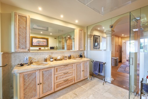 One of 7 bathrooms