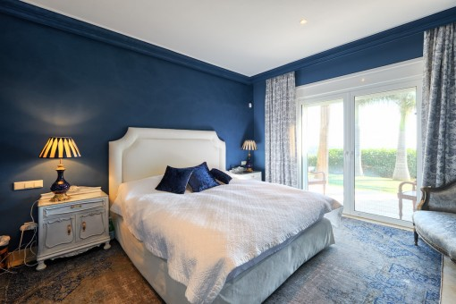 Another bedroom with access to the outdoor area