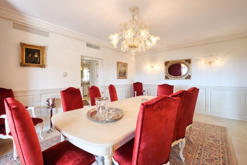 The dining area offers space for up to 8 people