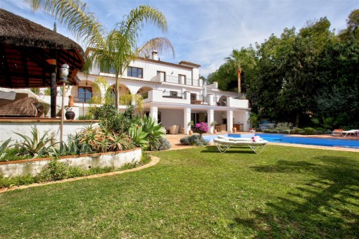 Lavish 7 bedroom villa close to the beach in Marbella, New Golden Mile