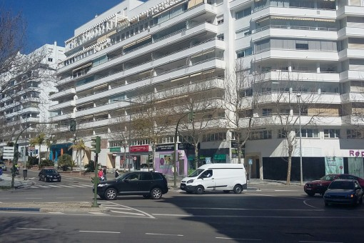 Commercial property close to Marbella town center for startup business