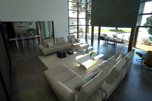 Spacious living area with amazing views