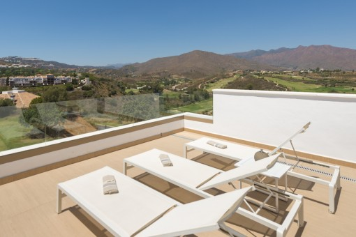 New townhouse surrounded by 3 golf courses in Mijas