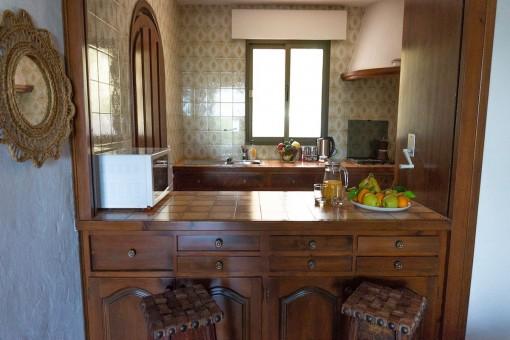 Villa 2 (2) - Rustic kitchen with bar