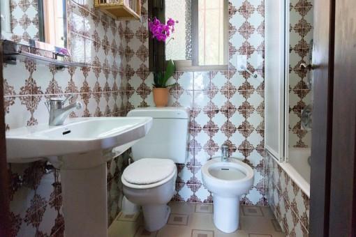 Villa 2 (1) - Bathroom with daylight