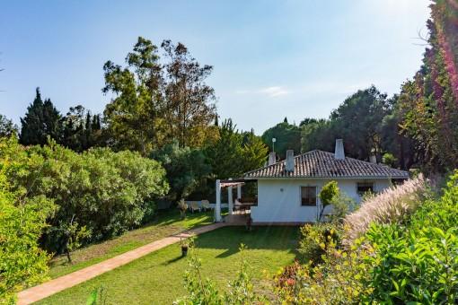 Villa 3 - Well-maintained outdoor area