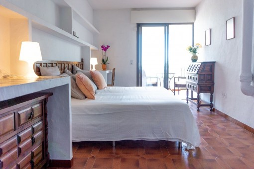 Villa 2 (1) - Bedroom with access to the terrace