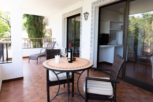 Villa 2 (2) - Outdoor dining area