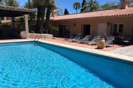 Andalusian style villa close to the beach in Los Monteros playa, Marbella