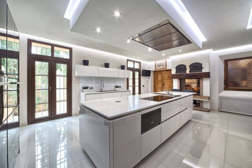 Fully modern fitted and equipped kitchen with pantry