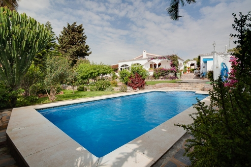 Beautiful villa on one level with large private swimming pool in Estepona